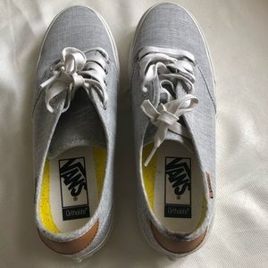 Women's Vans 9.5 lace up grey and white / tan